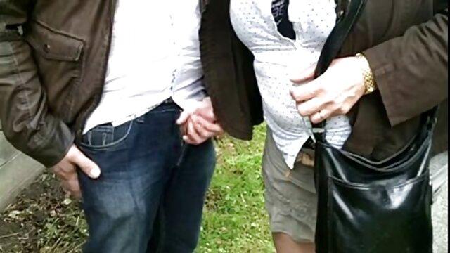 Bukkake lesvianas en castellano Party at Club girl obtiene una carga de esperma falsificado