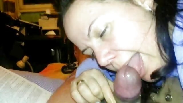 Assrimming sexslave consigue su COÑO lesvianas follando en español comido