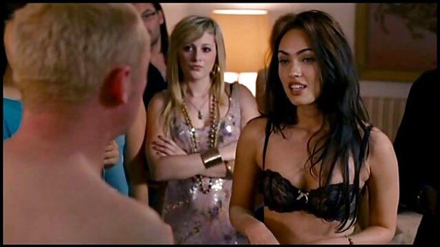 Sybian Blonde obtiene un orgasmo videos gratis de lesvianas en español