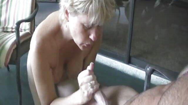 Secretaria y videos en español de lesvianas padre interrumpieron el trabajo para tener sexo en la oficina