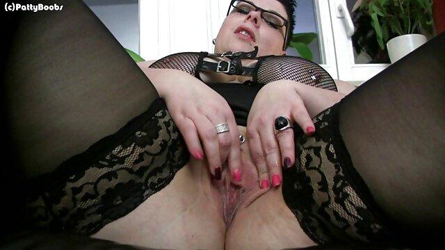 Webcam con una hermosa chica de grandes lesviana españolas tetas