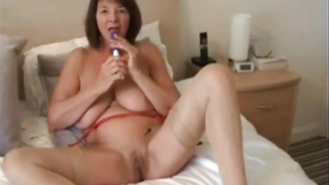 Mamada hardcore en POV ver videos de lesvianas en español con una asiática