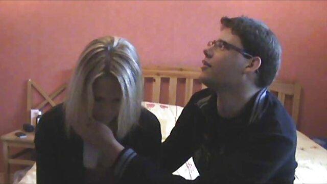 Pequeña rubia caliente follada por su novio en lesvianas españolas follando video casero