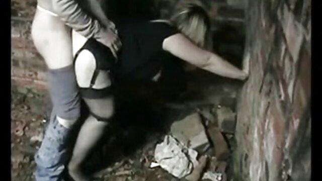 Casting de mamada POV de Rocco Siffredi con tímida adolescente húngara peliculas de lesvianas en espanol
