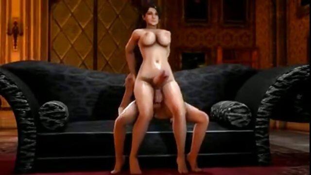 La joven Scarlett Sage seduce a una milf lesbiana con los lesviana en español dedos