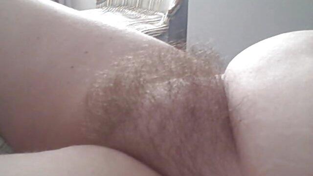 Big maduras españolas lesvianas Slutty Boobs cubierta de esperma caliente 3