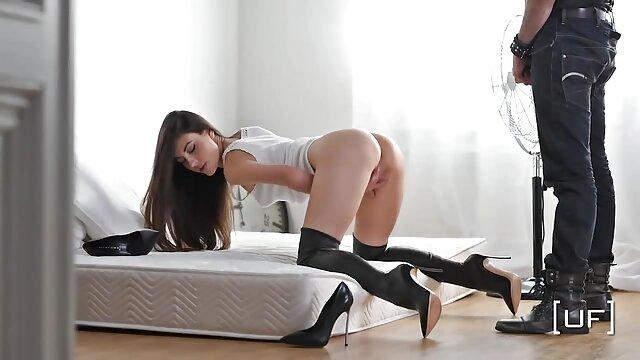 COMFORTABLY NUMB - adolescente con peliculas de lesvianas en español grandes tetas hinchables y tease
