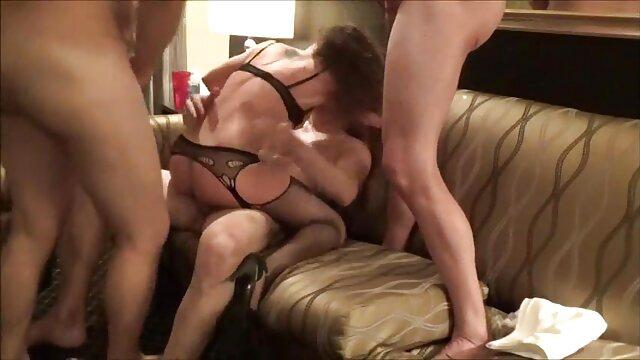 Cornudo asiático mierda chico blanco en habitación de españolas lesvianas follando hotel